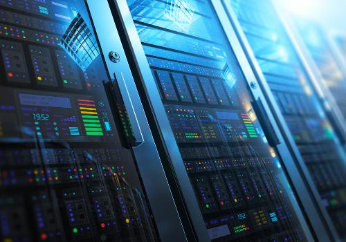 Die Verarbeitungszeit der Server im Rechenzentrum können eine Verzögerung der Übertragung verursachen. Und dies führt auch wieder zu hohen und unerwünschten Latenzzeiten.