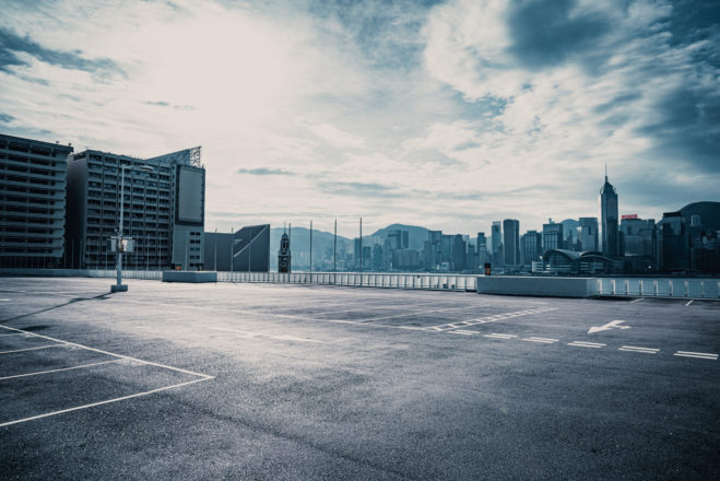 leerer-parkplatz-urbane-mobilitaet-digital-chiefs